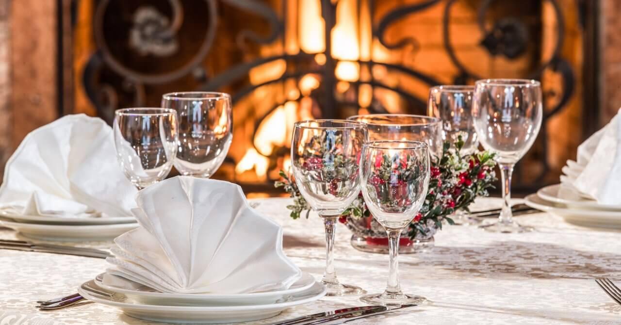 Saint Valentine's Day, romantic candlelight dinner